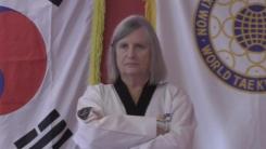 태권도를 사랑한 79세 린다 할머니